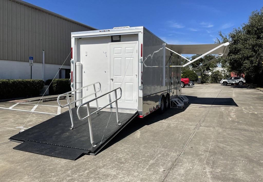 Ramp to ADA Door Vaccine Unit Mobile2